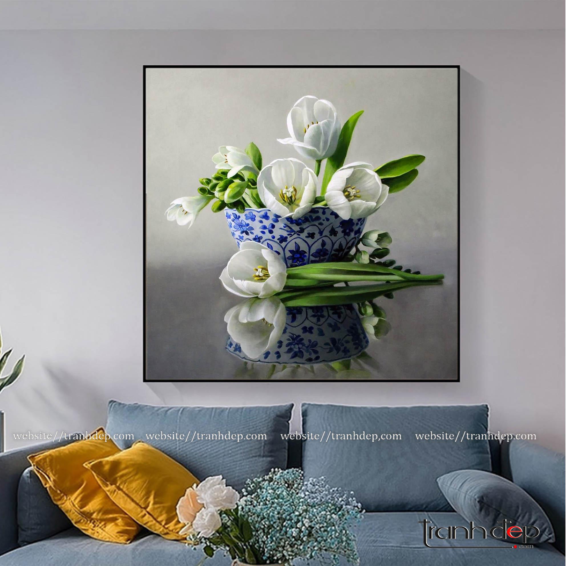 Tranh lọ hoa tulip đẹp treo phòng khách