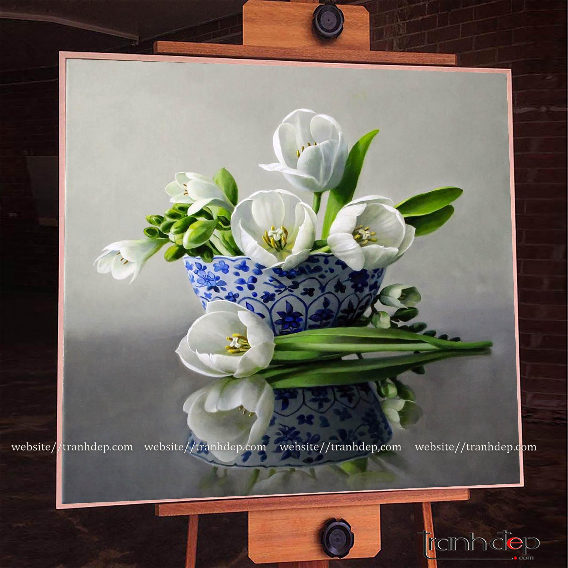 Tranh sơn dầu vẽ lọ hoa tulip đẹp