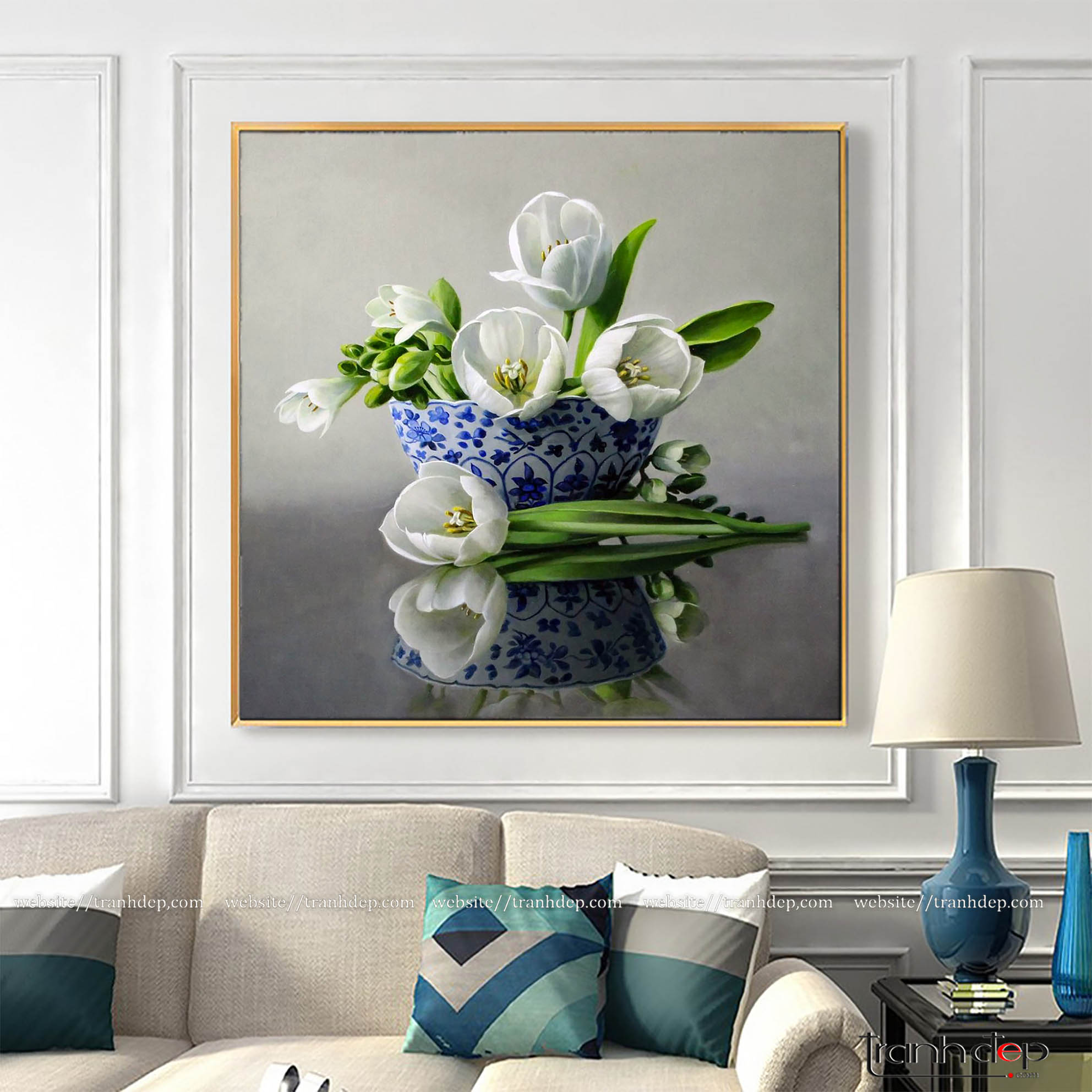 Tranh hoa tulip trắng trang trí không gian phòng khách