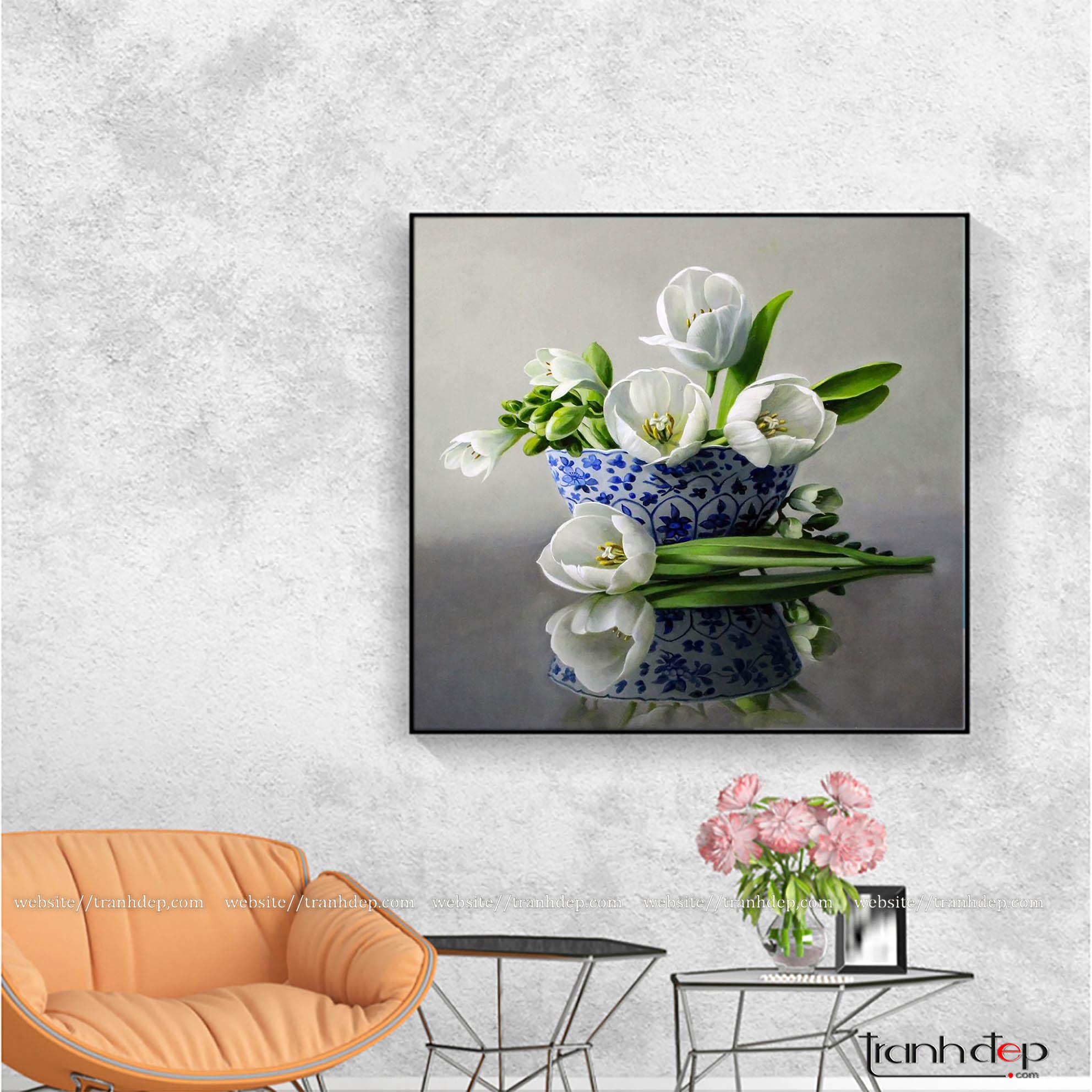 Tranh treo tường hoa tulip đẹp trong phòng khách