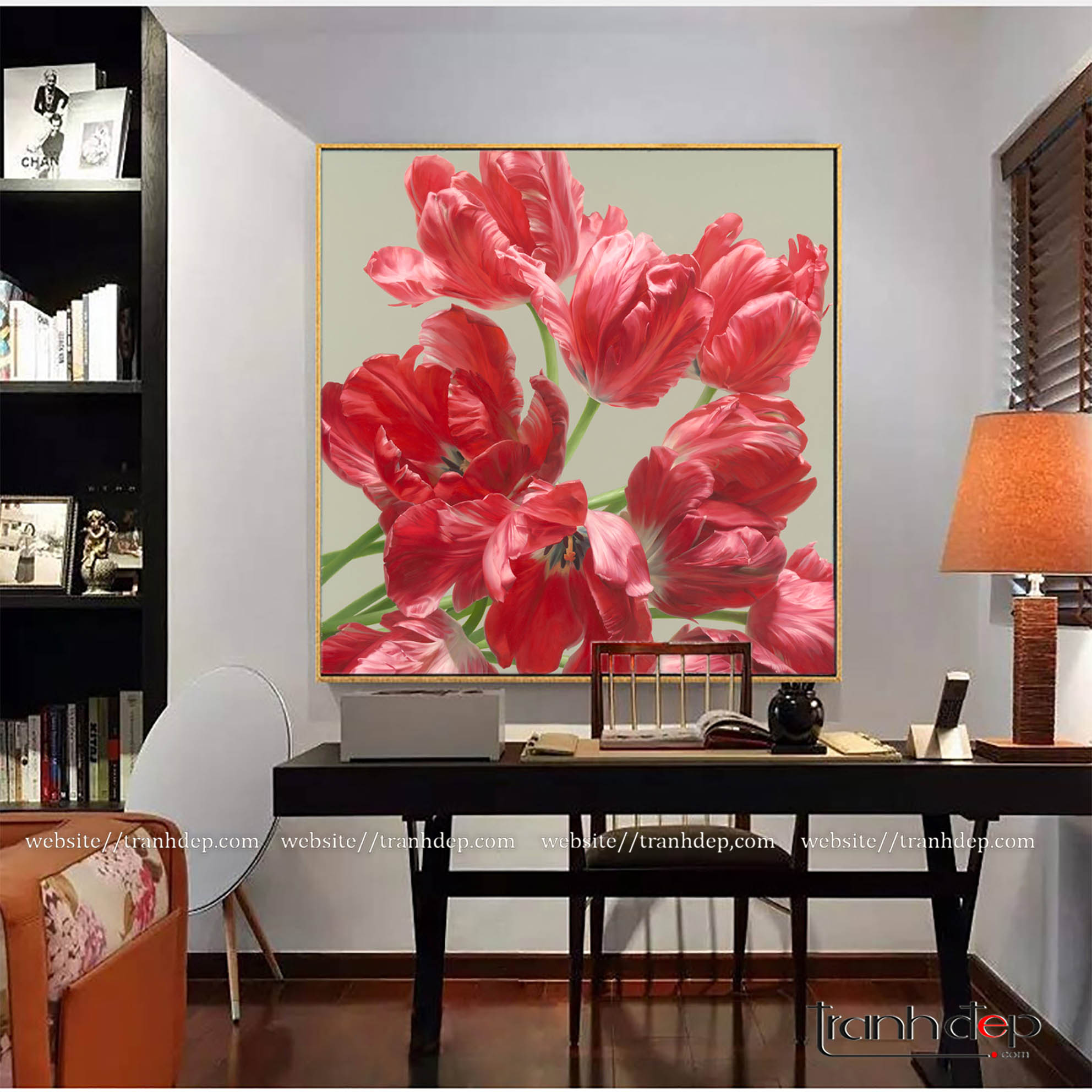 Bức tranh hoa tulip đỏ trang trí phòng làm việc