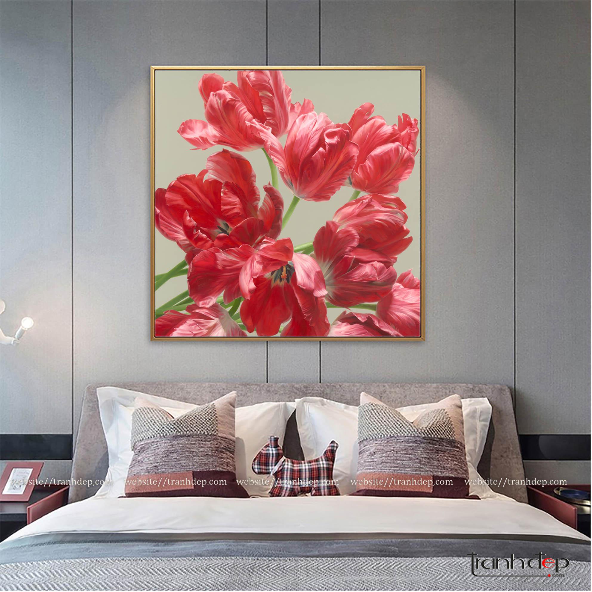 Tranh hoa tulip màu đỏ trang trí phòng ngủ