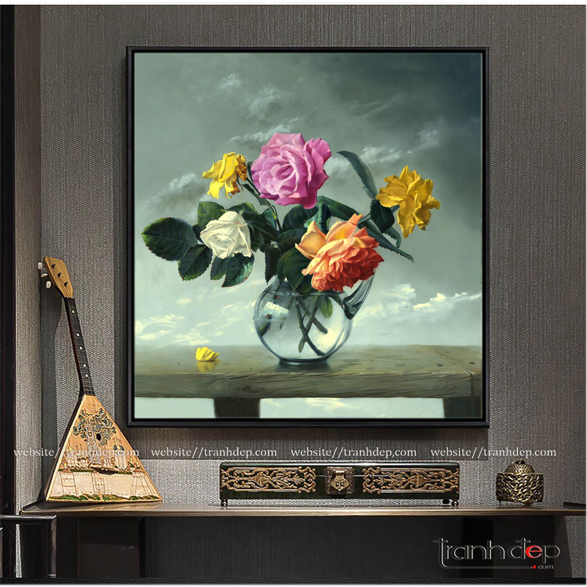 Tranh vẽ hoa hồng đựng trong bình thủy tinh