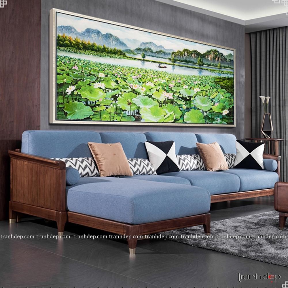 Treo tranh sen trong phòng khách đa phong cách rất đẹp