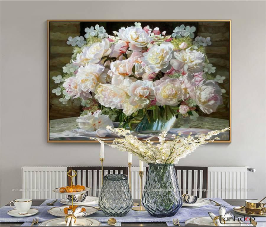 tranh peonies va hoa cam tu cau trong mot chiec binh dep