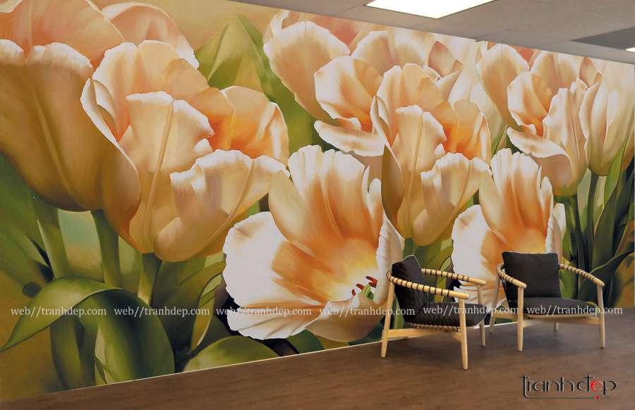 Tranh hoa tulip nhe nhang va tuoi tham treo phong khach hien dai