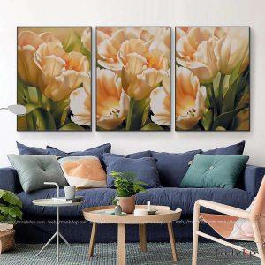Tranh hoa tulip nhe nhang va tuoi tham treo phong khach